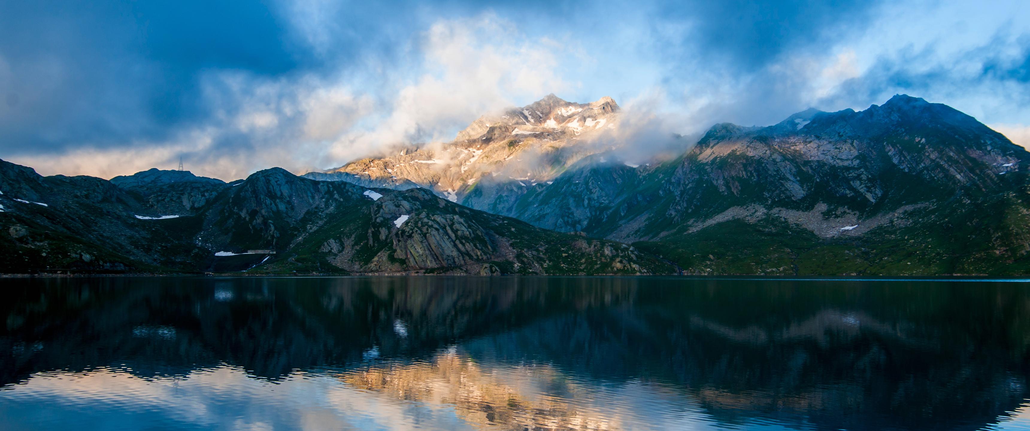 Reflecting Mountain 219 Wallpaper